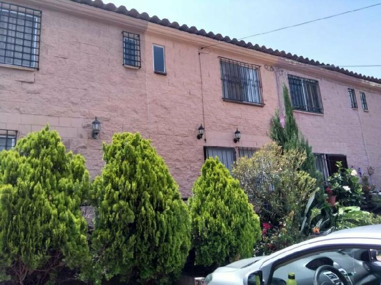 Impecable Casa con acabados de buen gusto Lomas de ahuatlan