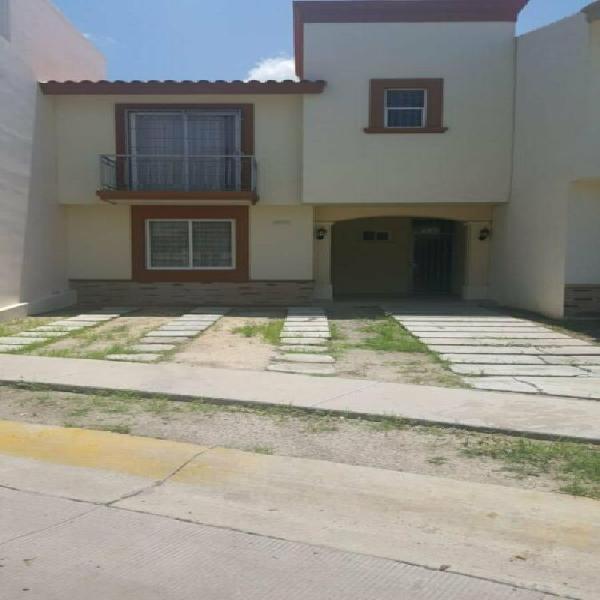 Renta casa amueblada en porta real $10,000 (sector sanalona)