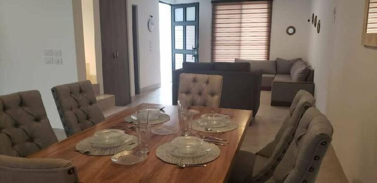Renta de hermosa casa amueblada nueva en zona norte fracc