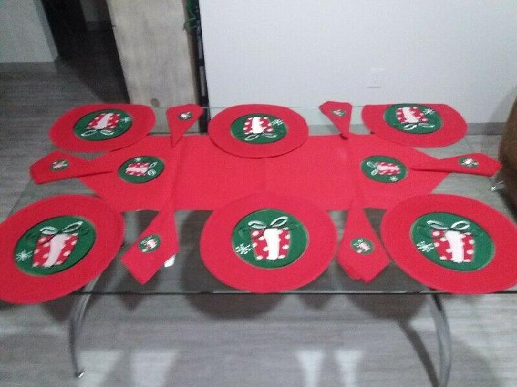 Camino de mesa con 6 manteles y 6 servilletas
