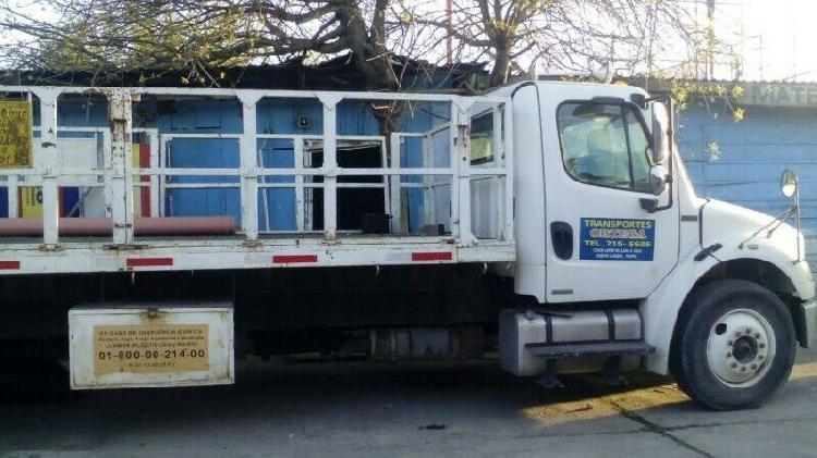 Hola vendo camion freightliner m2