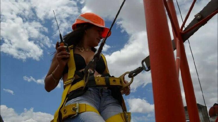 Instalación de torres y antenas de telecomunicaciones;llave