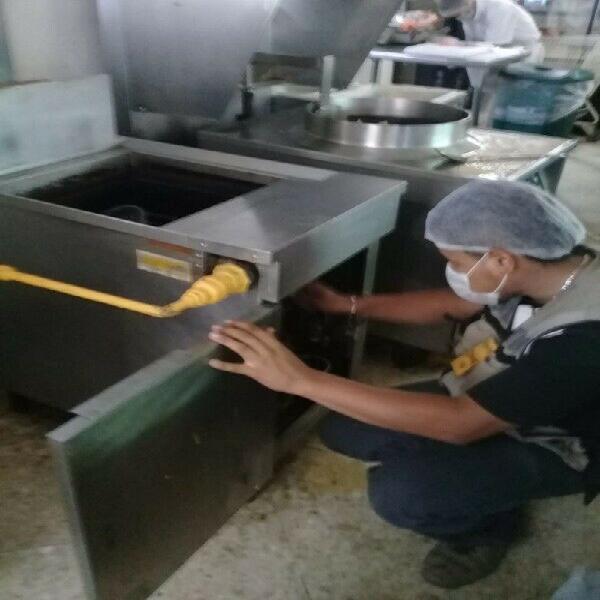 Limpieza y reparación de freidoras y estufas a gas