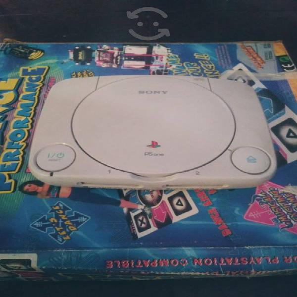 PlayStation 1 con tapete completo