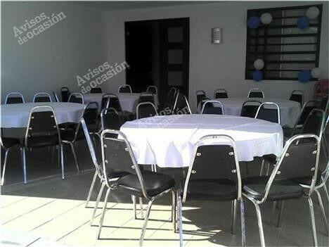 Renta de mesas y sillas el piry