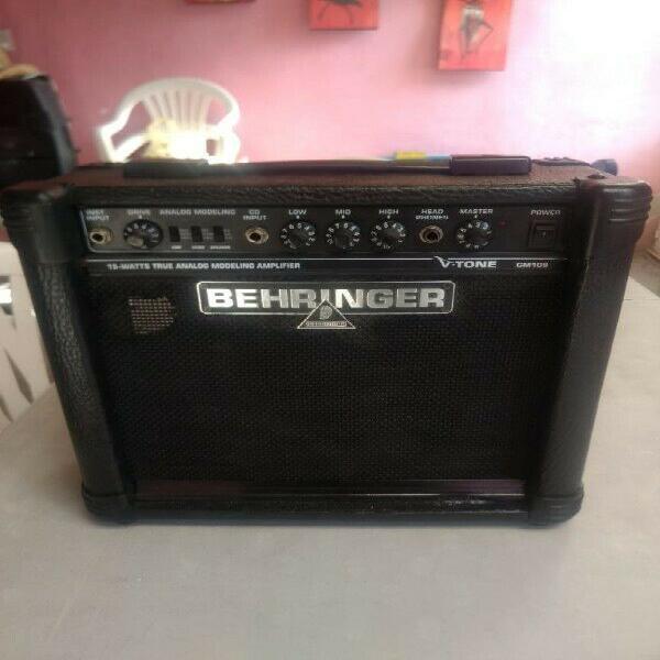 Amplificador guitarra behringer