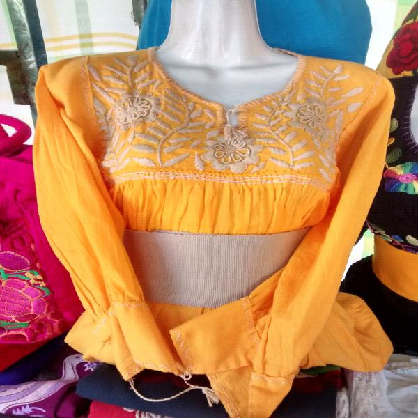 Blusas bordadas manga larga
