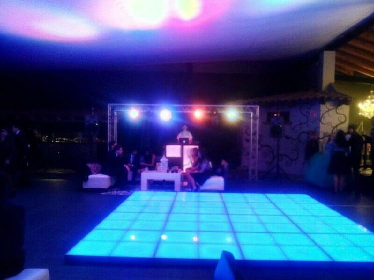 Dj, luz y sonido, karaoke, audio e iluminación para fiestas