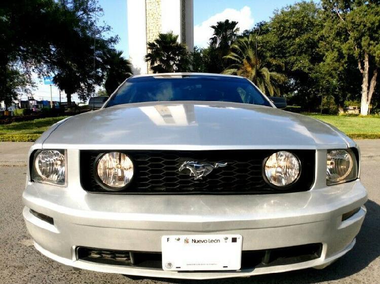 Mustang v6 modelo 2009 transmision estandar.... de