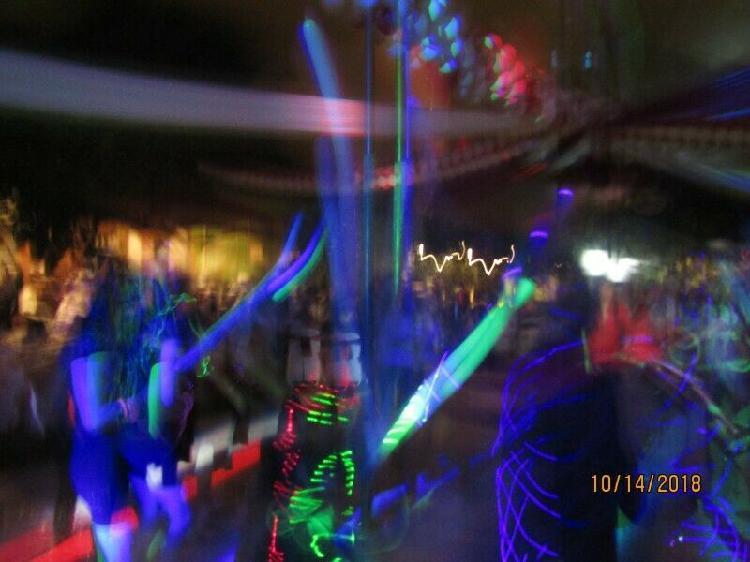 LUZ Y SONIDO CON DJ SHOW