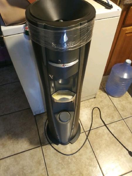 Porta garrafon electrico de agua fria y caliente