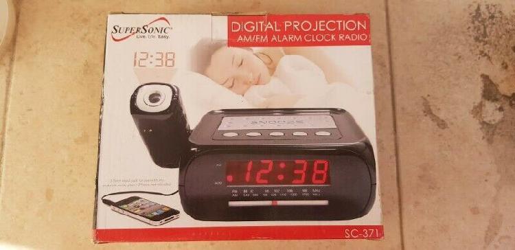 Radio reloj con am/fm despertador con proyector supersonic