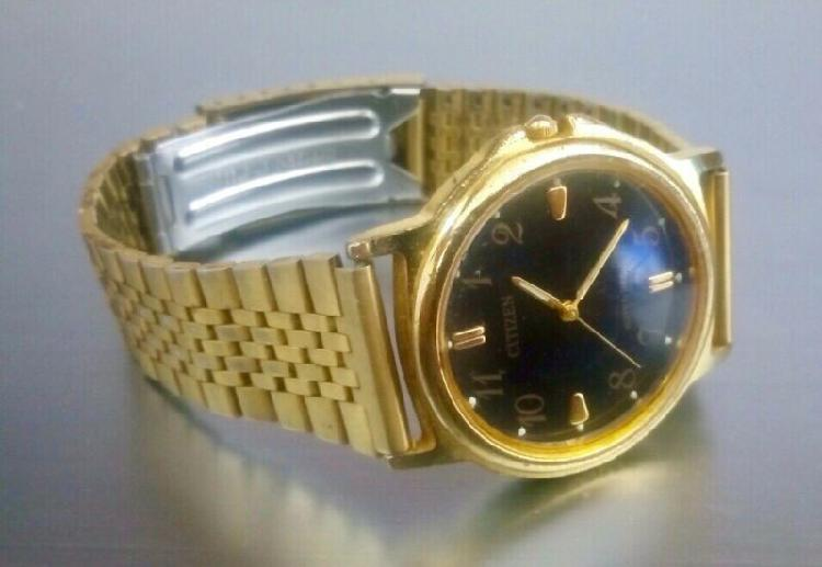 Reloj clásico citizen para hombre / hecho de metal y