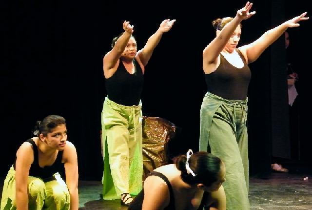 Clases de danza jóvenes y adultos, sábados medias becas,