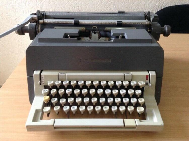 Máquina de escribir/ mecánica,eléctrica y fax