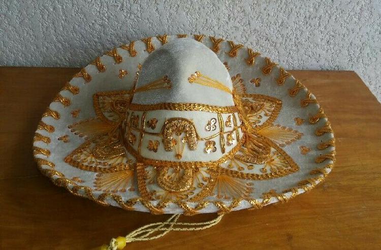 Sombrero charro bordado hueso con dorado para niños de 3-6