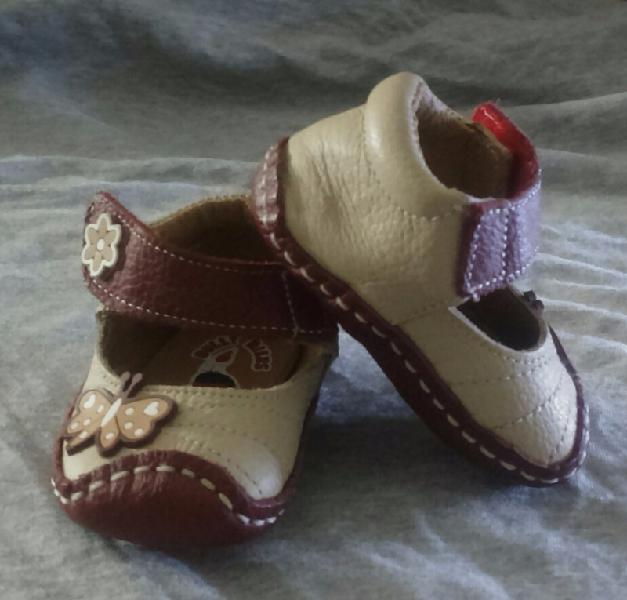 Zapatos bebe en piel