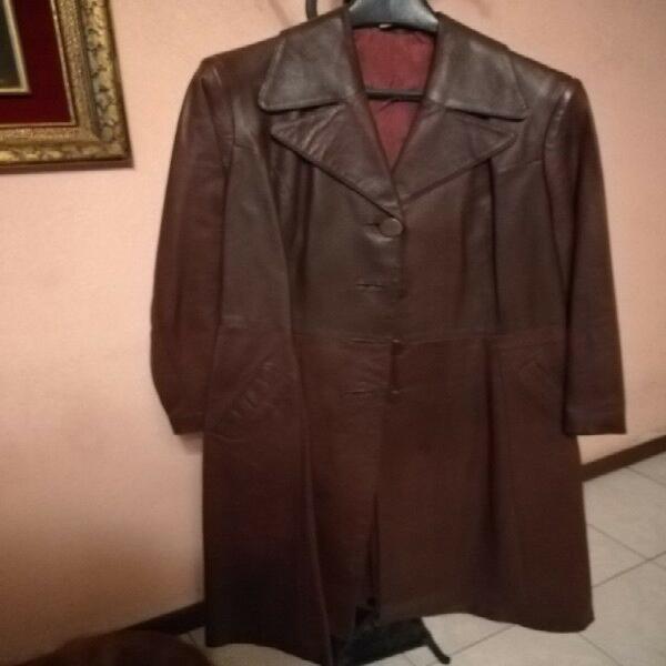 Abrigo nuevo de piel marca zyman