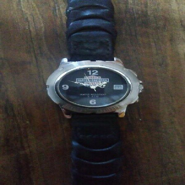 Reloj harley davidson correa de piel trenzado en color negro