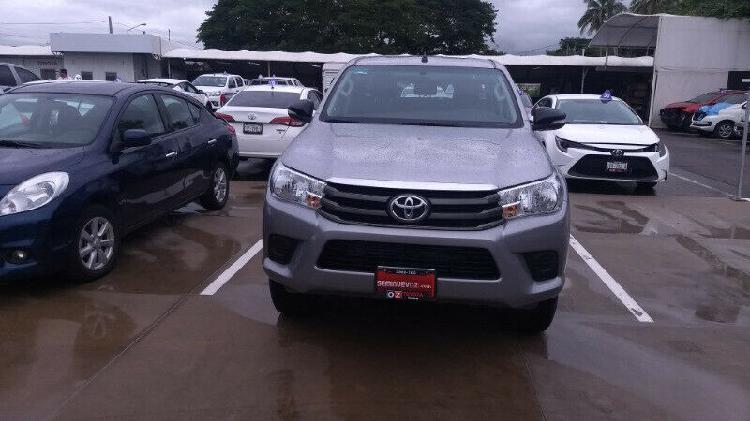 Toyota hilux sr 2017