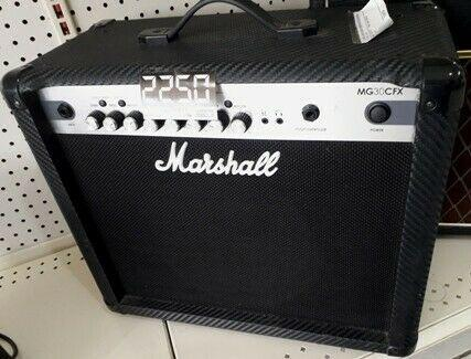 Amplificador para Guitarra Marshall modelo MG30CFX - Remates