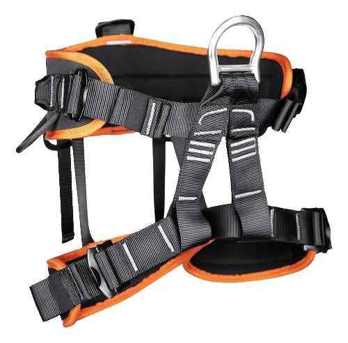 Profesional de la escalada en roca seguridad rapel asiento