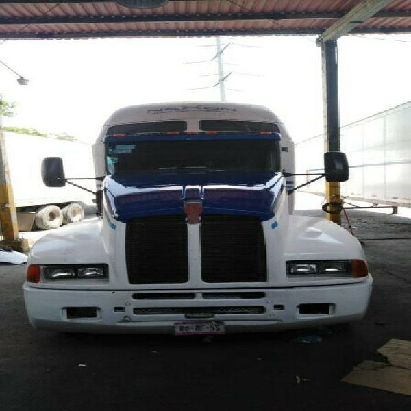 Tractocamion kenworth 2001