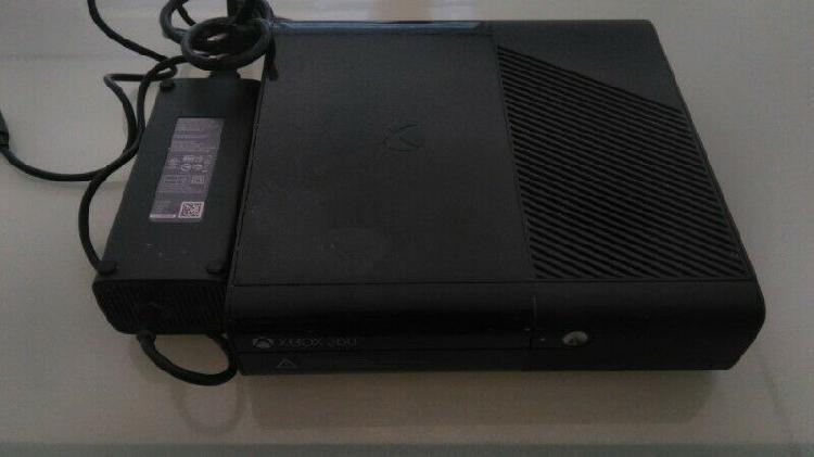 Xbox 360 mas dos juegos en cd