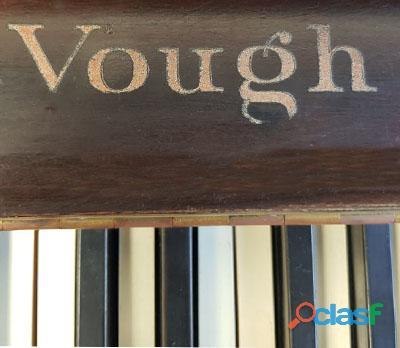 Piano marca VOUGH, tipo console de N.Y. 2