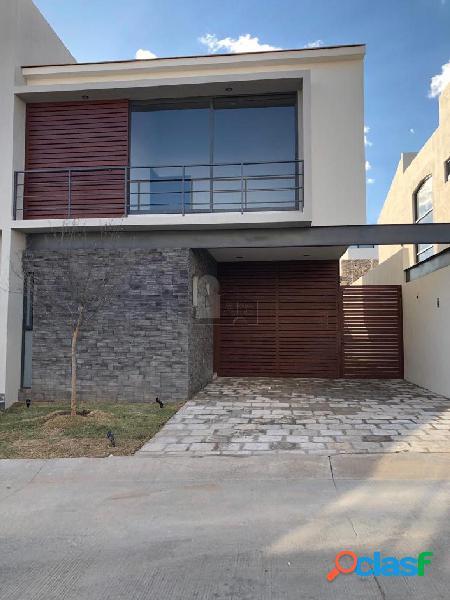 Casa sola en venta en El Molino Residencial y Golf, León, Guanajuato