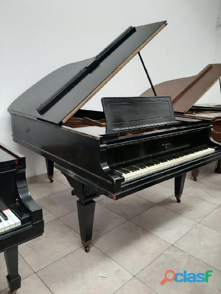 Piano 1/2 cola marca wm knabe & co, negro mate.