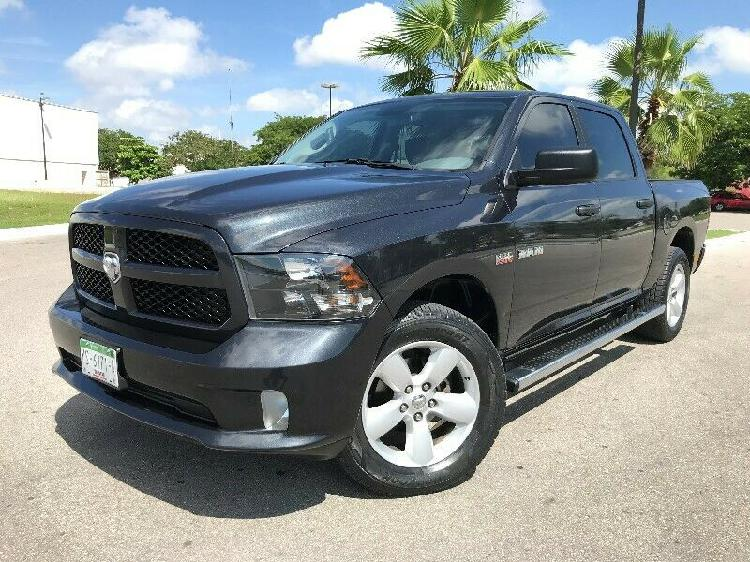 DODGE RAM 2500 CREW CAB EDICION SPORT BLACK 4X4 6 AIR BAG