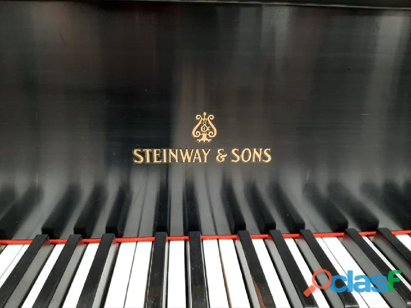 Hermoso piano marca STEINWAY & SONS Modelo M, origen N.Y. 4