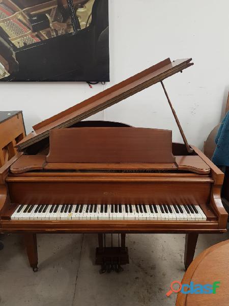 "Piano 1/2 cola marca kimball, largo 5´8"", origen chicago."