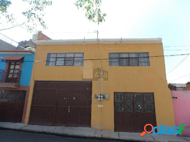 Casa en venta lindavista querétaro. ideal para negocio con 5 departamentos de 2 habitaciones c/u.