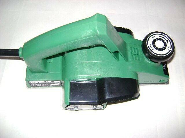 Cepillo eléctrico para madera de 82mm marca hitachi. 370
