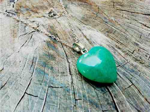Collar corazon cuarzo aventurina verde piedra chakras yoga