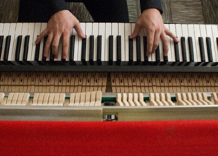 Clases de piano particulares, para jóvenes, niños y