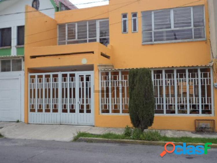 Casa en venta en Colonia Club Jardin enToluca
