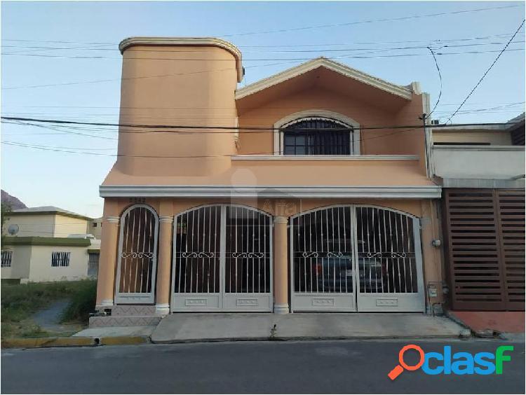 Casa sola en venta en España, Monterrey, Nuevo León
