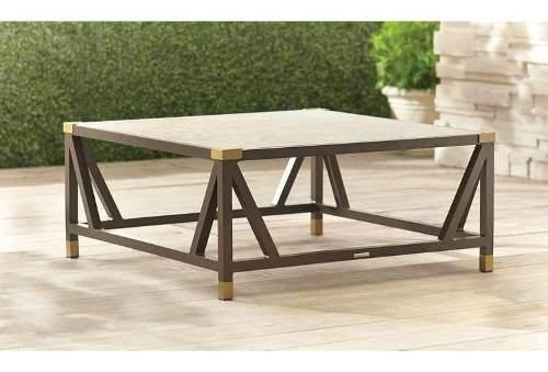Mesa de jardín exterior brown jordan color bronce