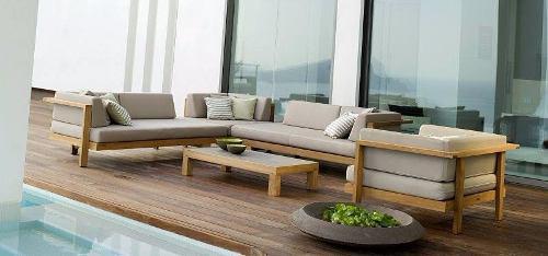 Sala minimalista exterior