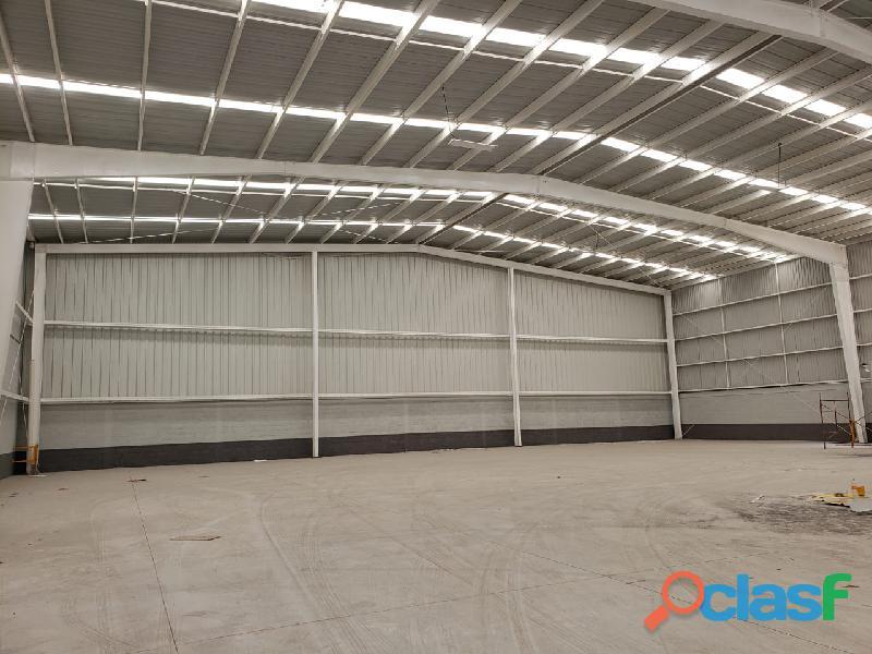 Renta de bodega industrial de 1,500 m2 en querétaro