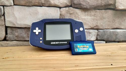 Nintendo gameboy advance + pokemon safiro