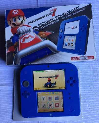 Nintendo 2ds azul, versión mario kart, en caja, excelente.