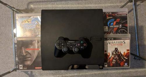 Playstation 3 slim 120gb y 4 juegos