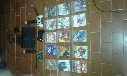 Ps3 super slim 500gb+3 controles+2controles move y 15 juegos