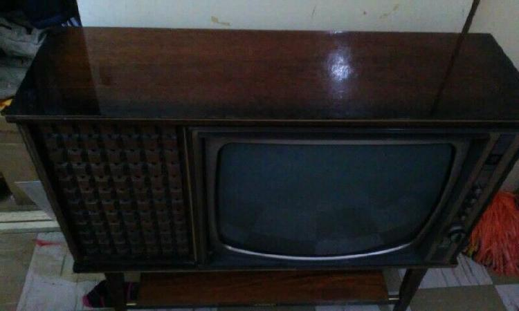 ANTIGUEDADES TELEVISOR PHILIPS BULBOS