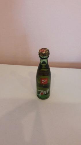 Mini Botellita Seven Up. Coca Cola No
