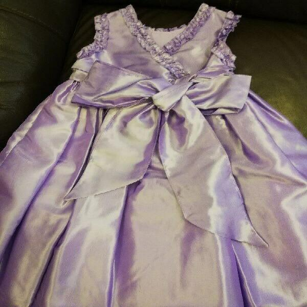 Vestido de fiesta de niña, talla 3-4 años.
